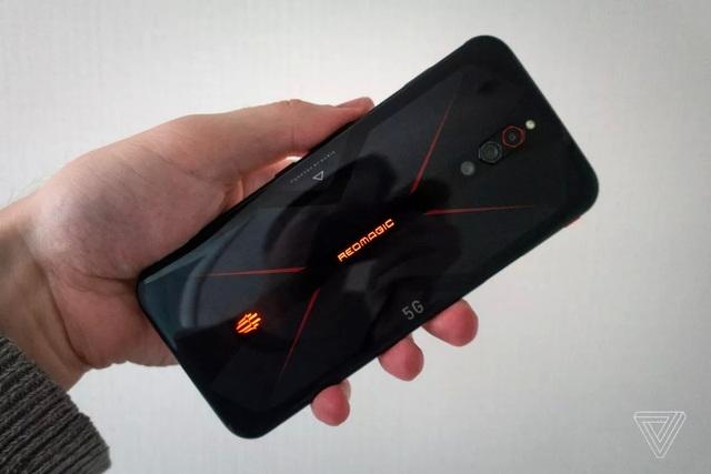 Smartphone màn hình 144Hz, RAM 12GB giá chỉ 649 USD - 2