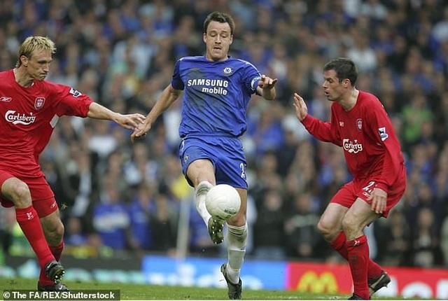 Cựu ngôi sao Liverpool chọn Messi và Ronaldo vào đội hình xuất sắc nhất - 2