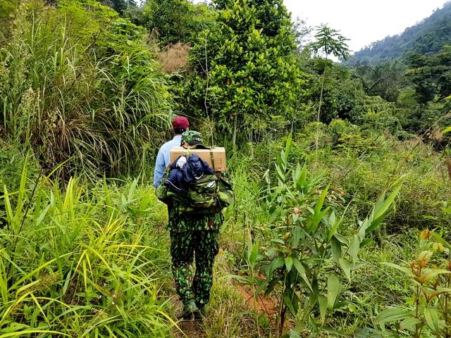 Bộ đội ngủ cùng vắt rừng, ăn cùng ruồi vàng trong thời dịch Covid-19 - 2