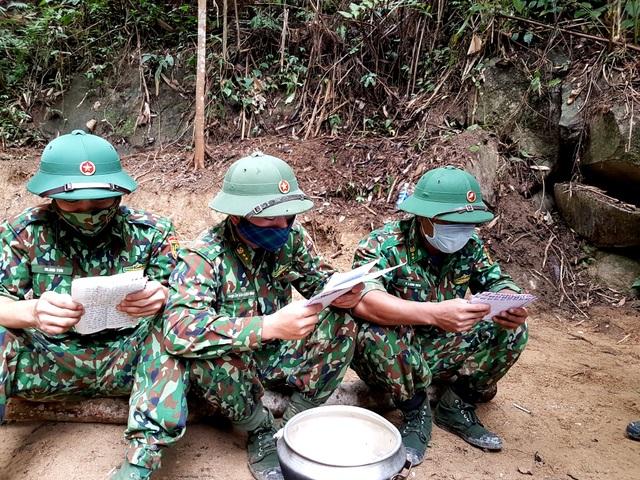 Bộ đội ngủ cùng vắt rừng, ăn cùng ruồi vàng trong thời dịch Covid-19 - 5
