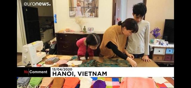 Khẩu trang độc đáo của Việt Nam trên báo nước ngoài - 2