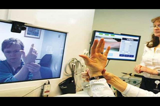 Bộ TTTT và Bộ Y tế sẽ triển khai thí điểm mô hình khám chữa bệnh từ xa - 1