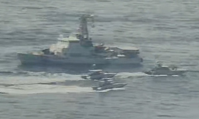 """Cận cảnh tàu Iran """"vây"""" dàn tàu chiến Mỹ tại vịnh Ba Tư - 8"""