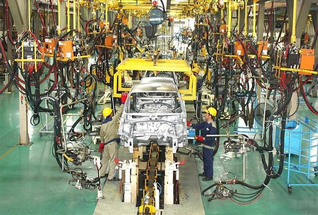 """Nhiều nhà máy ôtô vẫn dừng sản xuất dù không thuộc """"vùng nguy cơ cao"""" - 1"""