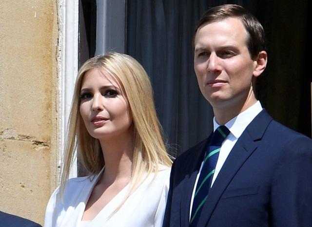 Con gái ông Trump bị chỉ trích vì đi nghỉ lễ giữa lệnh phong tỏa - 1