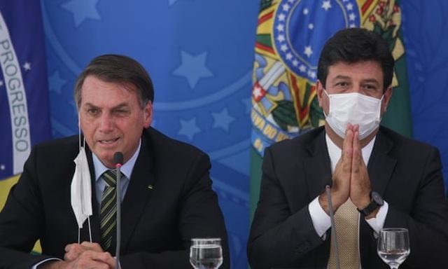 Mâu thuẫn về chống Covid-19, Tổng thống Brazil sa thải Bộ trưởng Y tế - 1