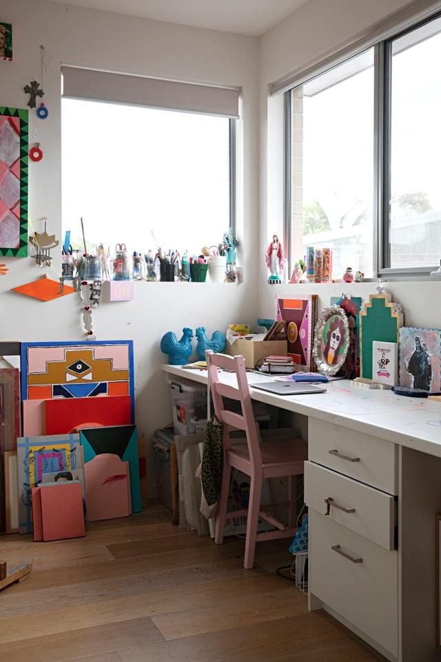 Ngôi nhà đầy màu sắc khiến vạn người mê của nữ họa sỹ người Úc - 2