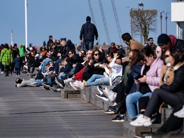 Thụy Điển: Quốc gia duy nhất không cách ly trong đại dịch covid-19 - 3