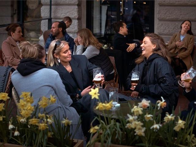 Thụy Điển: Quốc gia duy nhất không cách ly trong đại dịch covid-19 - 5