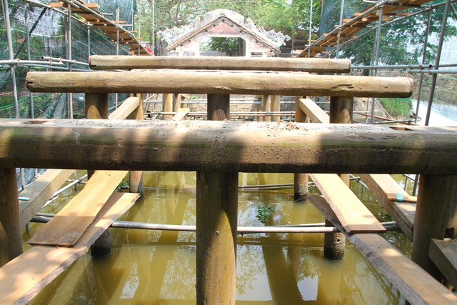 Hạ giải cây cầu ngói độc đáo ở Việt Nam - 14