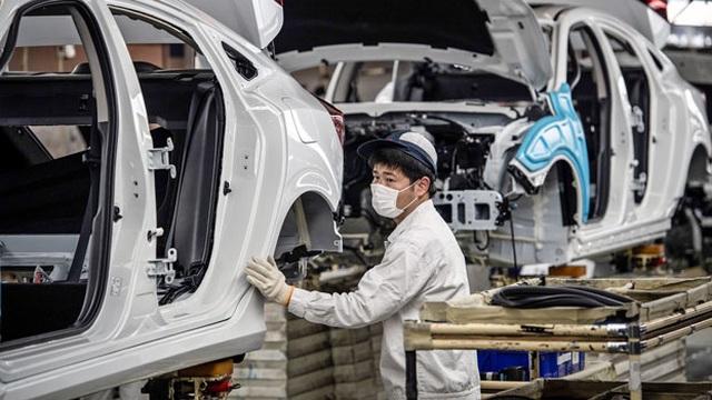 Kinh tế Trung Quốc giảm 6,8%, tăng trưởng âm lần đầu tiên sau gần 30 năm  - 1