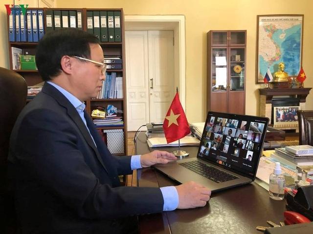 Tư vấn trực tuyến về dịch Covid-19 cho cộng đồng người Việt tại Nga - 1