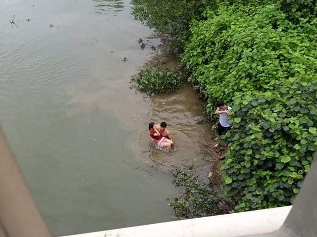 Gặp người dũng cảm vật lộn với Hà Bá cứu nữ sinh nhảy cầu - 1