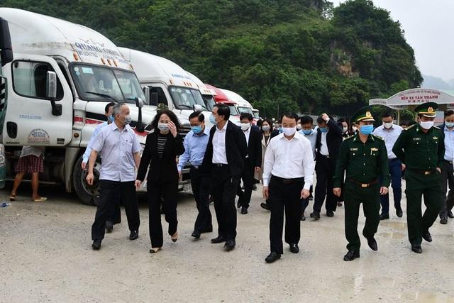 Bộ trưởng Nông nghiệp: Phía Nam tạm dừng đưa nông sản lên Lạng Sơn - 1