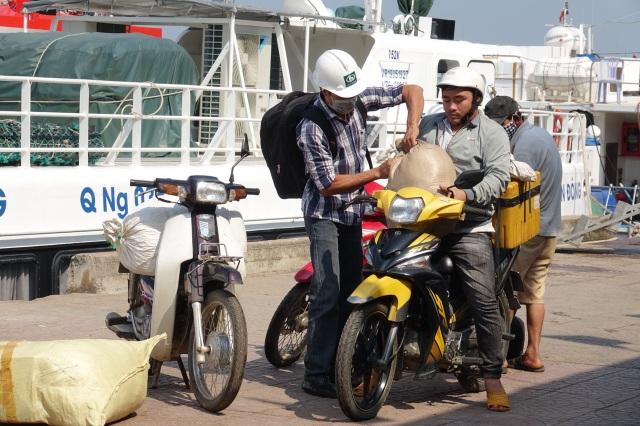 Tàu khách xuất bến ra Lý Sơn sau thời gian nằm bờ cách ly - 4