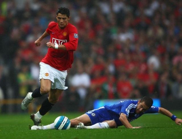 5 tiền đạo tốt nhất tính trong một mùa giải ở Man Utd - 5