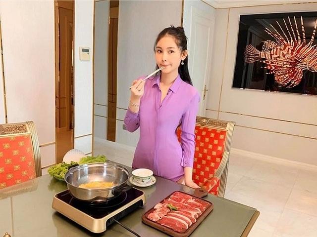 Kỳ Duyên, Minh Triệu, Lan Ngọc... cắt túi giấy làm váy cực kì gợi cảm - 9