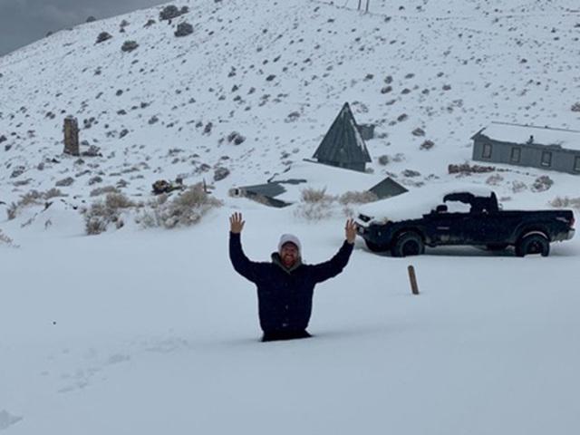 """Cách ly bất đắc dĩ ở """"thị trấn ma"""" tuyết phủ - 1"""