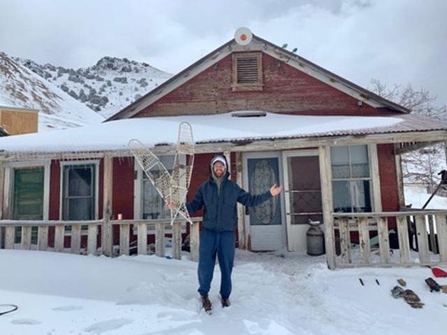 """Cách ly bất đắc dĩ ở """"thị trấn ma"""" tuyết phủ - 2"""