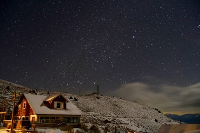 """Cách ly bất đắc dĩ ở """"thị trấn ma"""" tuyết phủ - 13"""