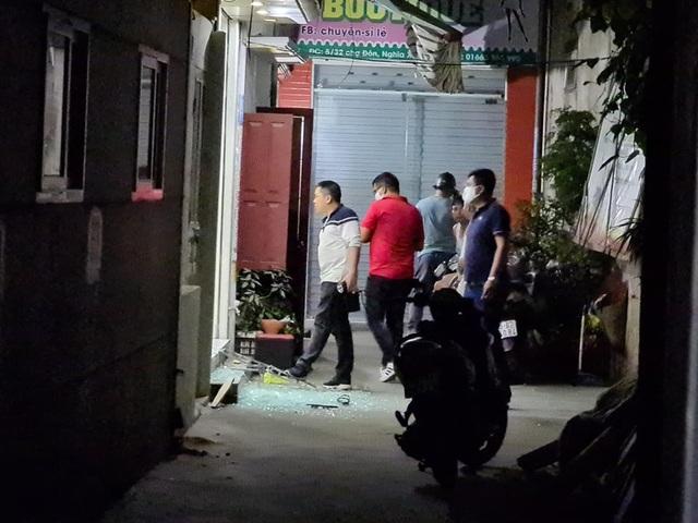 Vụ nổ súng thị uy trong khu dân cư: Liên quan đến nợ tiền cá độ bóng đá - 1