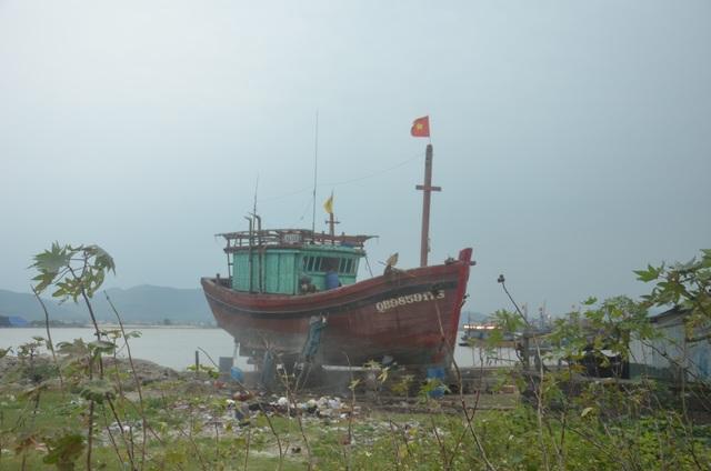 """Ngừng hoạt động 2 cơ sở đóng tàu hoạt động """"chui"""", gây ô nhiễm - 2"""