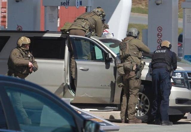 Xả súng tại Canada, hơn 10 người thiệt mạng - 4