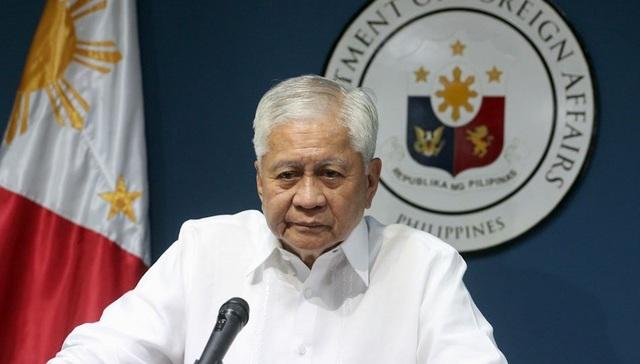 Cựu Ngoại trưởng Philippines, chuyên gia Australia chỉ trích Trung Quốc  - 1