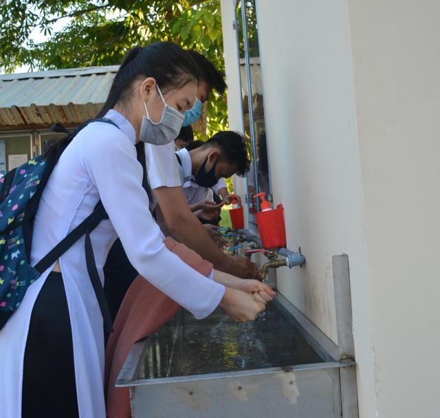 Cà Mau, Thái Bình cho học sinh lớp 9, 12 đi học trở lại từ 20/4 - 3