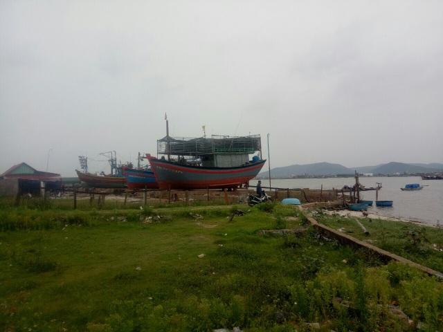 """Ngừng hoạt động 2 cơ sở đóng tàu hoạt động """"chui"""", gây ô nhiễm - 1"""