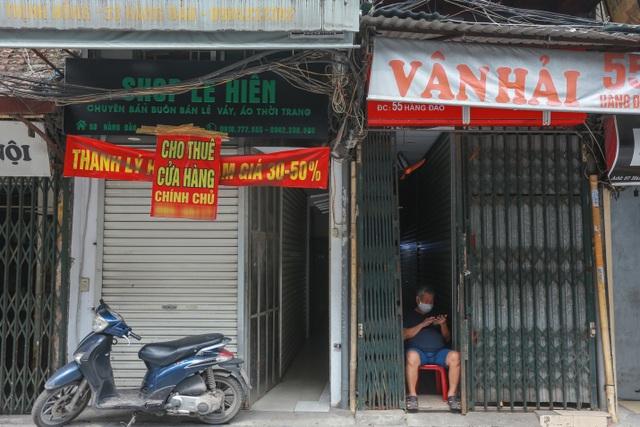 Loạt cửa hàng ở Hà Nội trả mặt bằng, chủ nhà méo mặt tìm khách thuê - 2