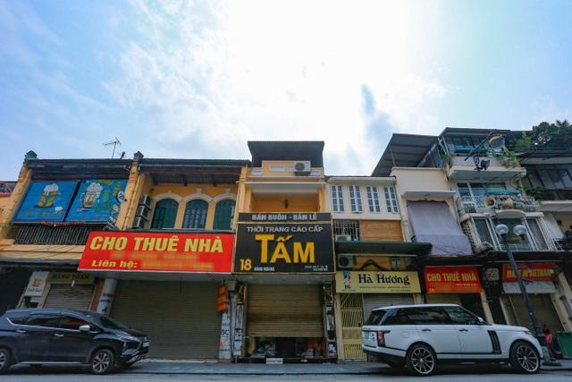 Loạt cửa hàng ở Hà Nội trả mặt bằng, chủ nhà méo mặt tìm khách thuê - 3