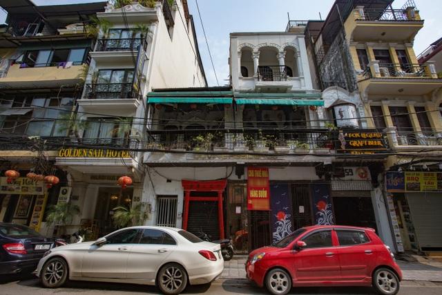 Loạt cửa hàng ở Hà Nội trả mặt bằng, chủ nhà méo mặt tìm khách thuê - 6