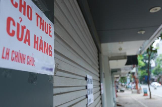 Loạt cửa hàng ở Hà Nội trả mặt bằng, chủ nhà méo mặt tìm khách thuê - 9