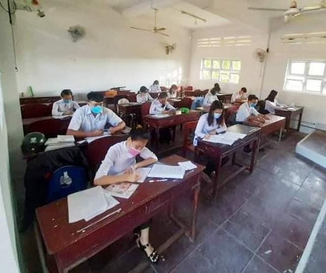 Cà Mau, Thái Bình cho học sinh lớp 9, 12 đi học trở lại từ 20/4 - 4