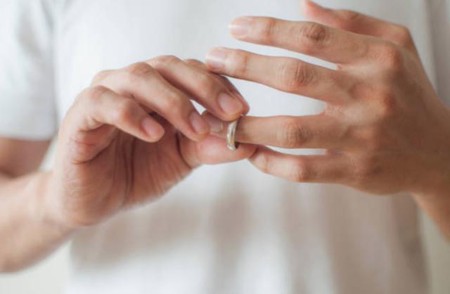 Dứt bỏ hôn nhân - đã ra đi thì đừng nên ngoảnh lại - 1