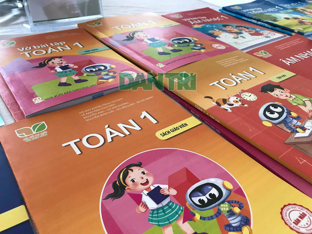 Bộ GDĐT công bố dự thảo thay đổi quyền lựa chọn sách giáo khoa mới - 1