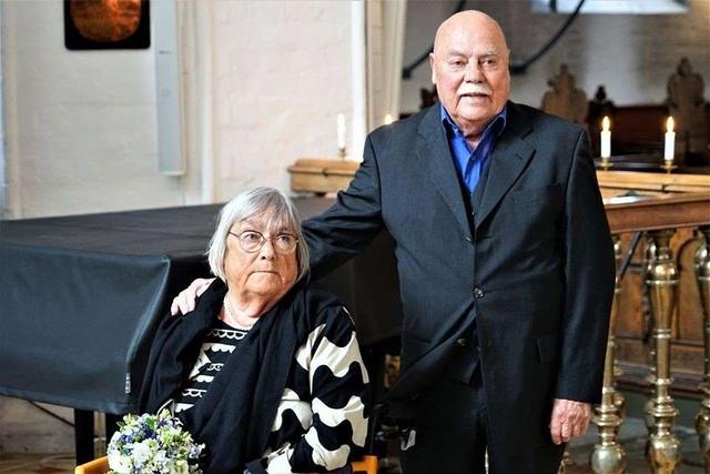 Cảm động cặp đôi tái hôn tại nơi đã kết hôn lần đầu cách đây 55 năm - 1