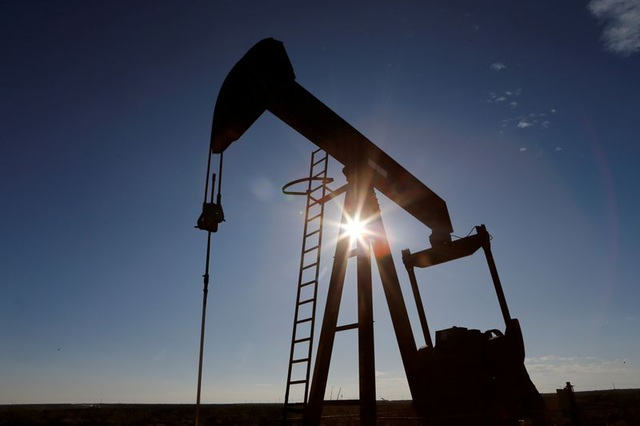 Mỹ: Hơn 42.000 người chết, thị trường dầu mỏ sụp đổ vì Covid-19 - 2