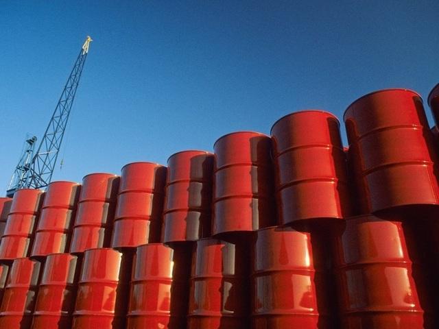 Giá dầu thế giới xuống âm, giá xăng dầu trong nước có lao dốc theo? - 1