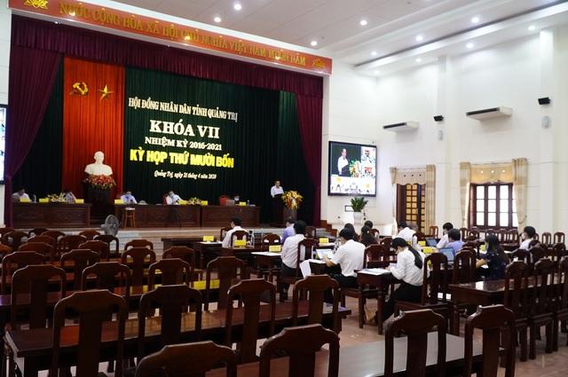 Quảng Trị lần đầu tiên tổ chức họp HĐND trực tuyến - 1
