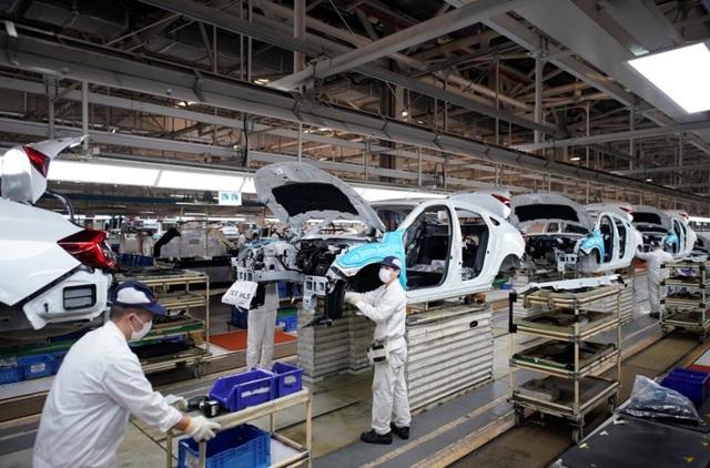 Có gì khác biệt bên trong các nhà máy ô tô mùa dịch Covid-19? - 7