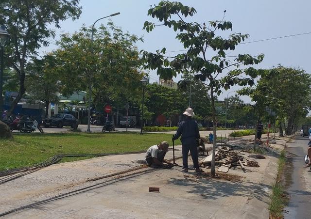 Đà Nẵng: Lao động sửa xe, hớt tóc... được hỗ trợ thiệt hại do Covid-19 - 2