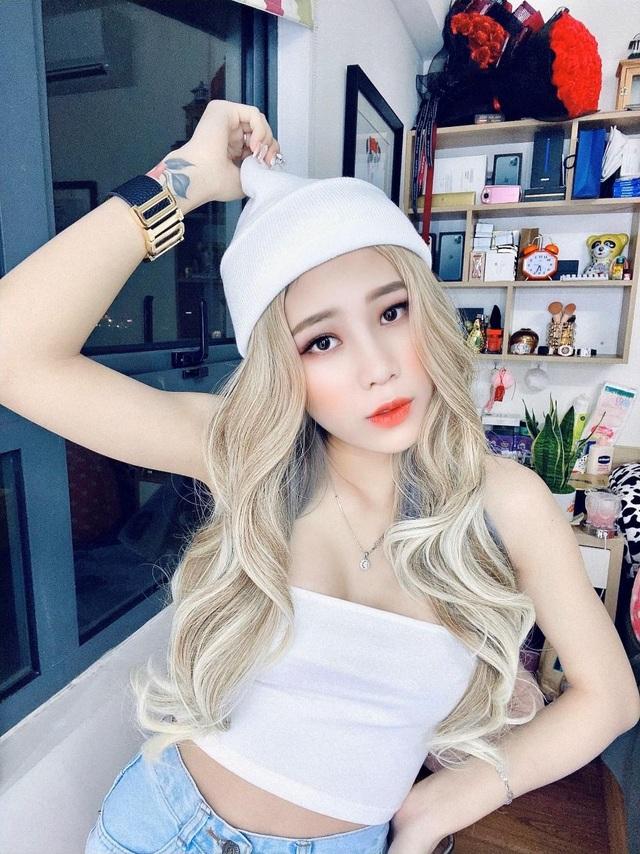 Hot girl Tố Trinh: Bố mẹ sợ môi trường người mẫu cám dỗ và thị phi - 1