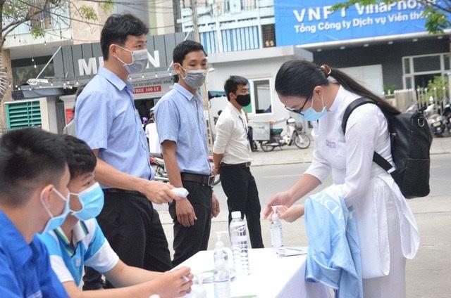 Đà Nẵng dự kiến cho học sinh lớp 9 và 12 đi học trở lại vào ngày 4/5 - 1