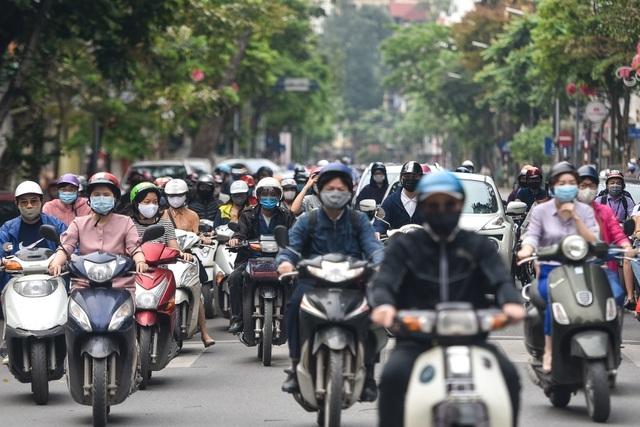 """Vẫn có """"nguy cơ cao"""", Hà Nội được đề xuất cách ly xã hội thêm 1 tuần - 1"""