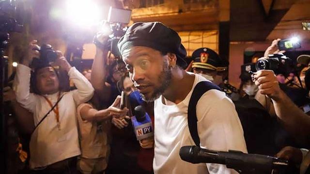 Ronaldinho có thể gặp thêm rắc rối trong vụ sử dụng hộ chiếu giả - 3