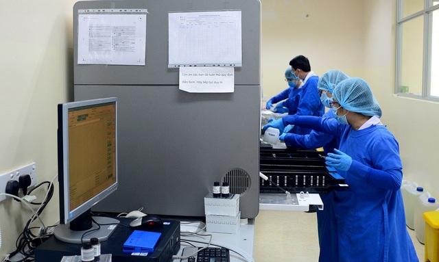TPHCM: Sở Y tế lý giải nguyên nhân xét nghiệm Covid-19 bị chậm - 1
