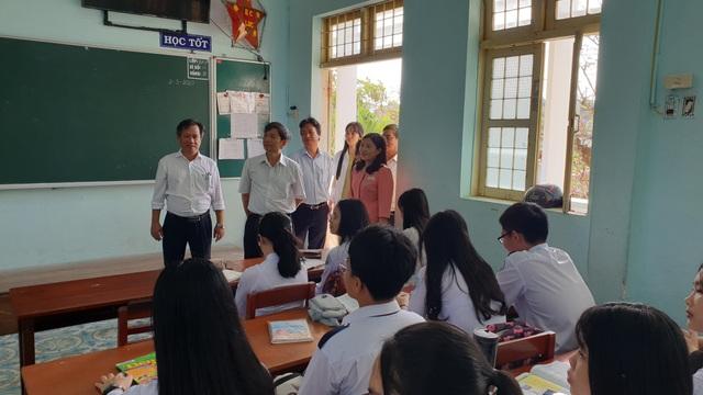 Phú Yên: Học sinh lớp 9, 12 sẽ đi học trở lại vào ngày 27/4 - 1