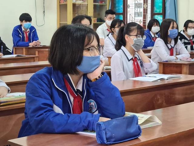 Hải Phòng: Siết chặt việc chuyển trường và tiếp nhận học sinh THPT - 1